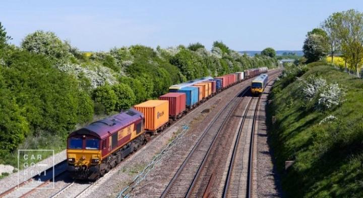 Bruxelas diz que ligações marítimas e ferroviárias são «insuficientes» e incita Portugal a investir mais