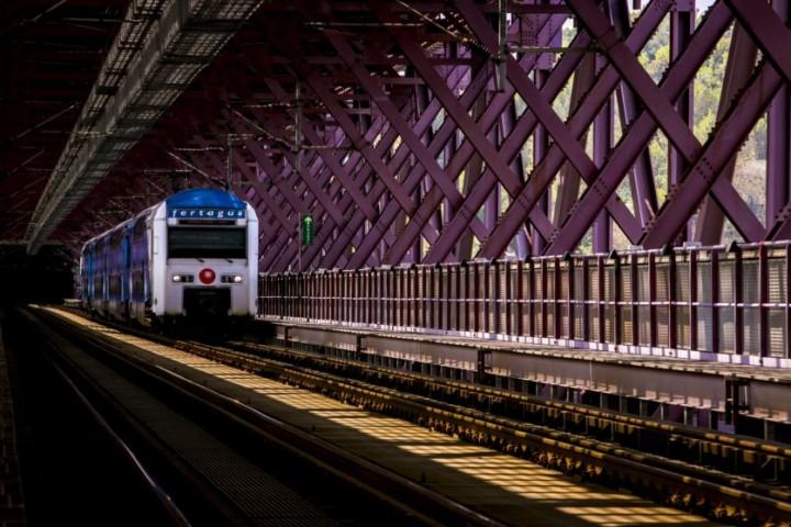 Fertagus vai alterar interior dos comboios para acomodar mais passageiros