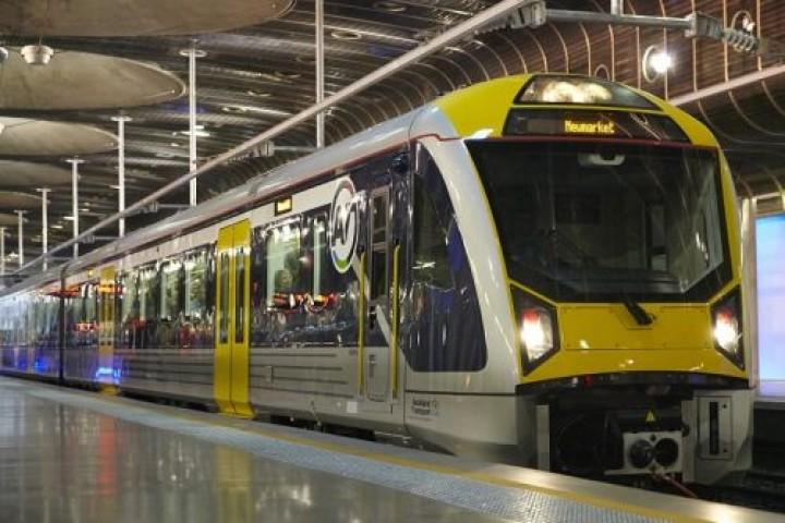 Transdev com interesse na concessão da linha de Cascais e no comboio da Ponte