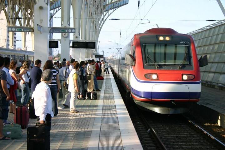 AdC - Recomendação no âmbito da liberalização de serviços de transporte ferroviário de passageiros