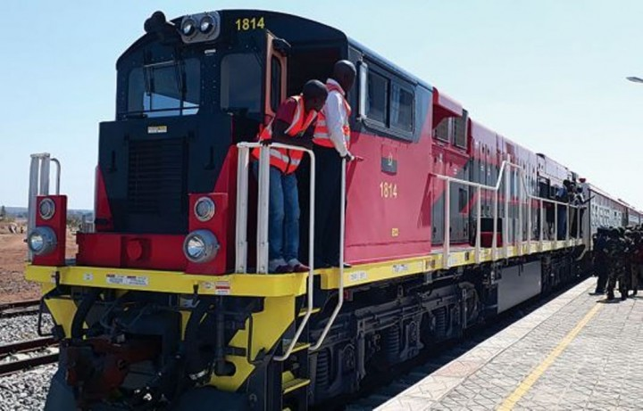 ANGOLA - Plano Diretor Nacional do Setor dos Transportes & Estudo de Viabilidade Preliminar da Ligação Ferroviária entre o Caminho de Ferro de Benguela (CFB) e a Zâmbia