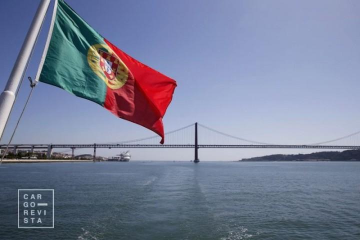 Descidas na eficiência de portos, ferrovia e transporte aéreo, levam Portugal a perder competitividade