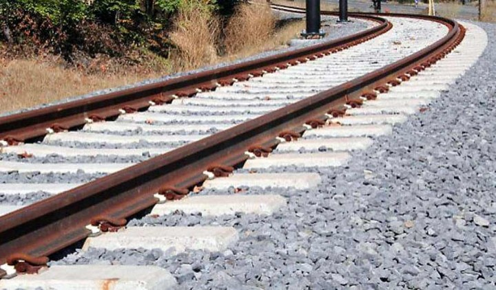 Região norte quer ligar-se à alta velocidade espanhola e articular a ferrovia com os portos de Leixões e Viana do Castelo e Eixo Atlântico do Noroeste Peninsular pretende clarificação dos atrasos na eletrificação da linha do Minho