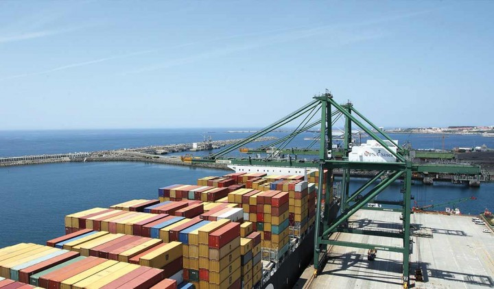 """Expansão do porto de Sines é """"crítico para o desenvolvimento"""" de Portugal"""