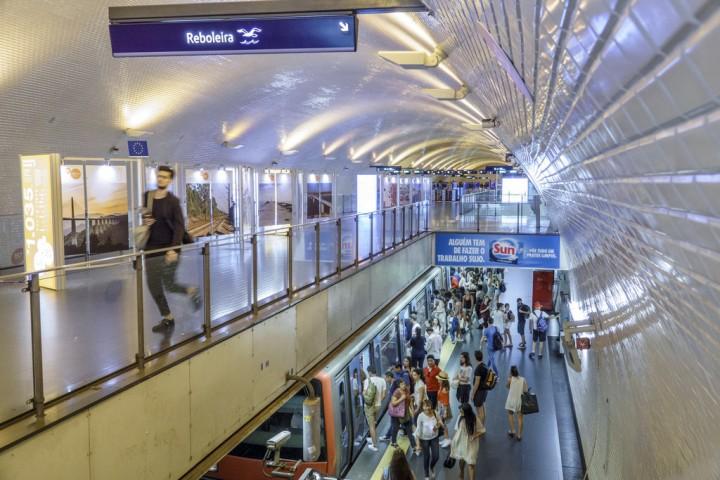 Contrato de venda de comboios ao Metro de Lisboa alvo de impugnação