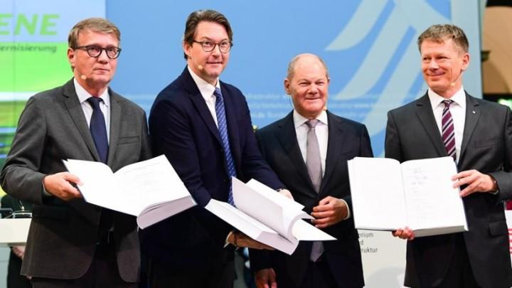 Alemanha vai investir 86 mil milhões de euros na rede de comboios