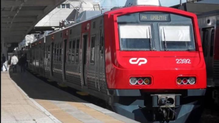 Batalha jurídica arrisca atrasar em seis meses entrega de comboios na CP