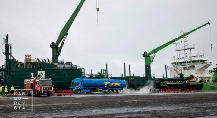 Galp assegurou o primeiro abastecimento portuário de navio com GNL em Portugal Continental