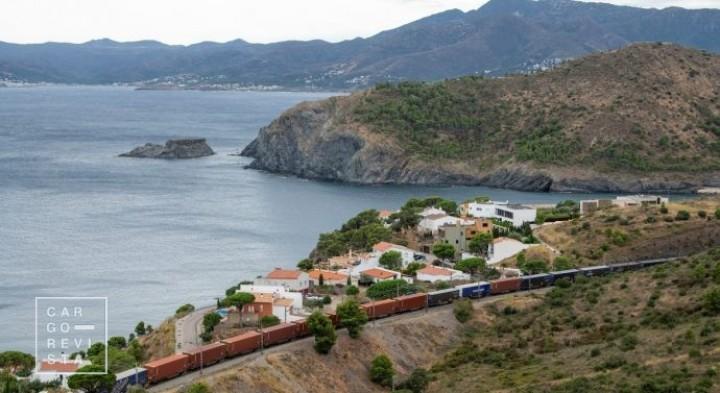 Transfesa: ferrovia é «a melhor opção para o transporte de cargas» durante a pandemia