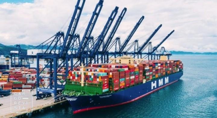 HMM Algeciras quebra recorde de TEU transportados a caminho do Porto de Roterdão