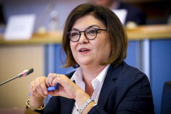 Carta dirigida à Comissária Europeia dos Transportes