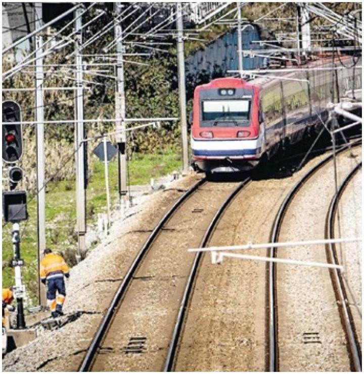 Alfa Pendular, um comboio rápido que ainda anda devagar