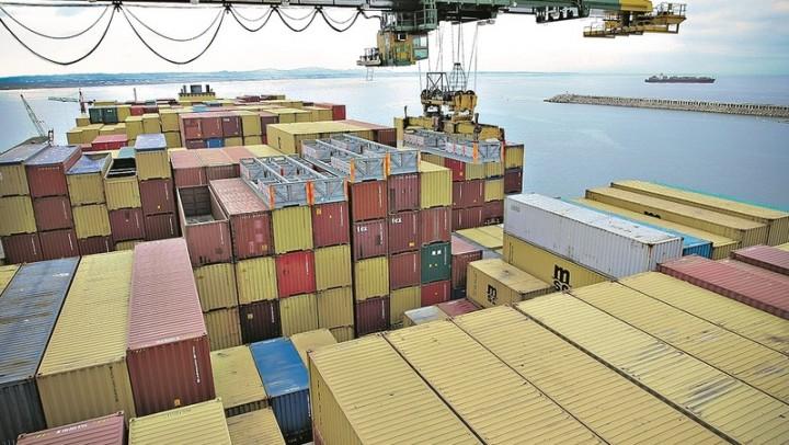 Falta de contentores ameaça produção e comércio mundial