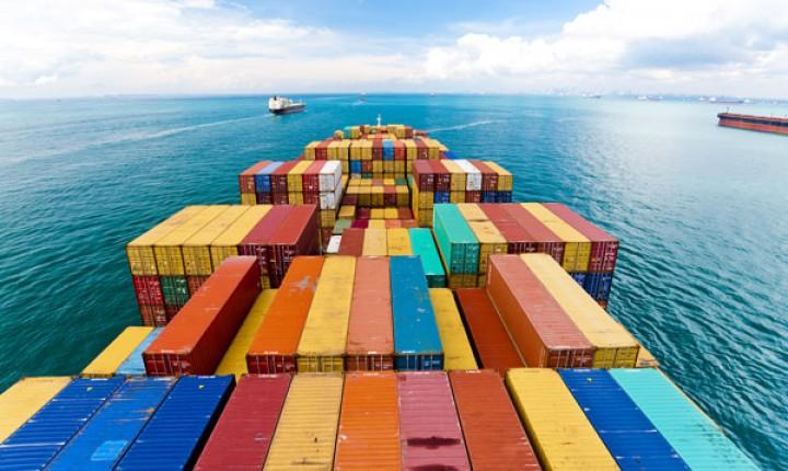 Escassez de contentores também exerce «grande pressão na infra-estrutura dos portos»