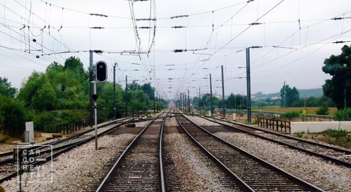 Primeiros comboios eléctricos vão começar a operar na Linha do Minho a 25 de Abril