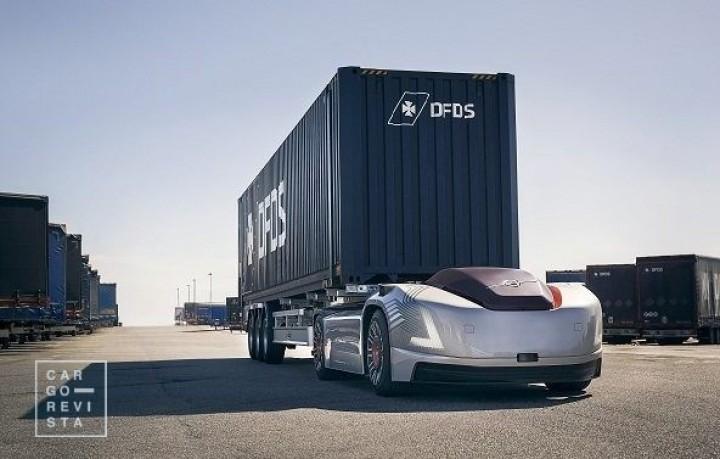 Veículo eléctrico e autónomo da Volvo Trucks faz «primeira missão» em parceria com a DFDS