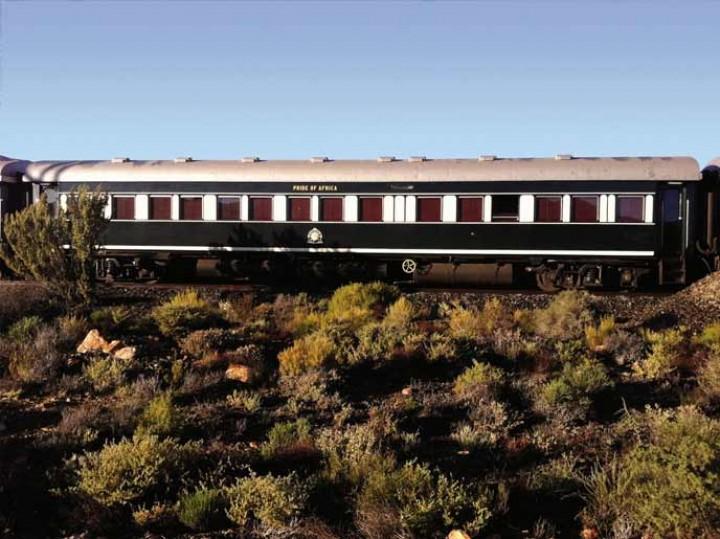 """""""Um comboio de luxo a caminho do Lobito"""""""