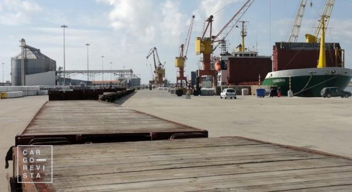 Portos do Continente movimentam 29,8 milhões de toneladas (-0,1%) no período Janeiro-Abril