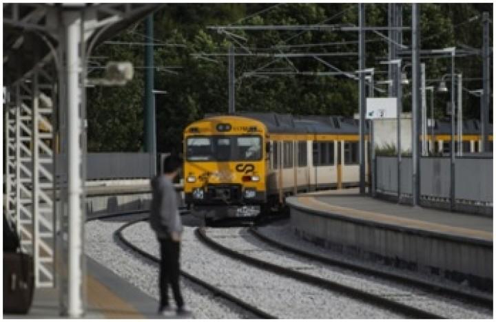 Omissões na manutenção provocaram descarrilamento de comboio no Marco de Canaveses